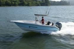Seaswirl Boats 2301 Center Console Boat