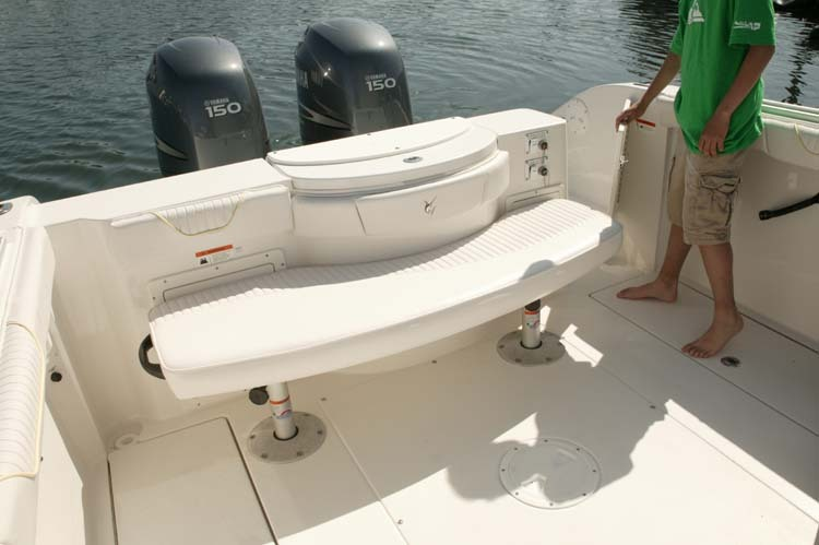 l_Seaswirl_Boats_2601_Walk_Around_O_B_2007_AI-234435_II-11264390