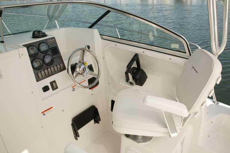 l_Seaswirl_Boats_2601_Walk_Around_O_B_2007_AI-234435_II-11264392