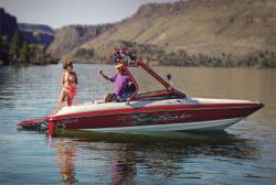 Seaswirl Boats 210 Spyder Ski and Wakeboard Boat
