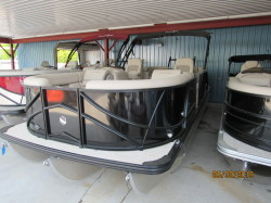 2019 20' SOUTH BAY PONTOON BOAT & MERCURY 90HP EFI FOUR STROKE