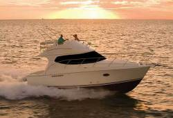 2012 - Silverton Yachts - 33 Convertible