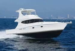 2012 - Silverton Yachts - 45 Convertible