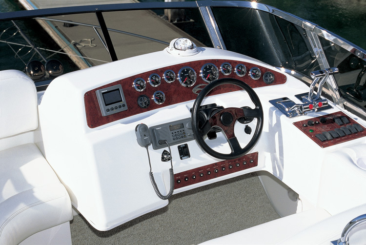l_Silverton_Yachts_-_330_Sport_Bridge_2007_AI-248751_II-11437350