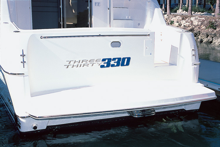l_Silverton_Yachts_-_330_Sport_Bridge_2007_AI-248751_II-11437354