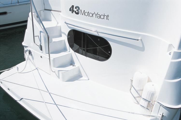 l_Silverton_Yachts_-_43_Motor_Yacht_2007_AI-248765_II-11437707
