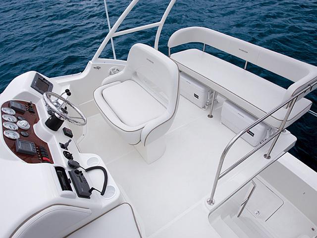 l_Silverton_Yachts_33_Convertible_2007_AI-248770_II-11437837