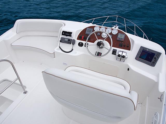 l_Silverton_Yachts_33_Convertible_2007_AI-248770_II-11437841