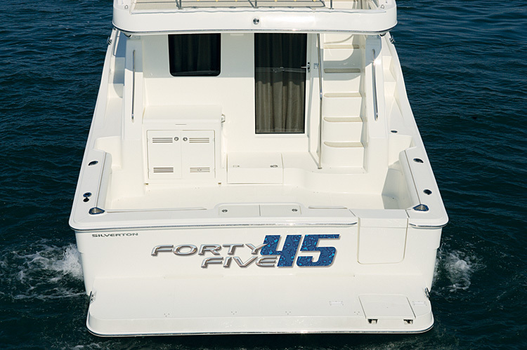 l_Silverton_Yachts_45_Convertible_2007_AI-248871_II-11438248