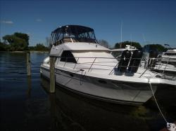 1998 Carver Yachts 370 VOYAGER Grand Haven MI