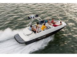 2018 Deck Boat 215 Oshkosh WI