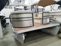 2015 Crest Boats by Maurell Products 2106 Pewaukee WI