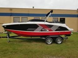 2018  Deck Boat HD 220 RS Pewaukee WI