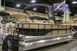 2019 - Lowe Boats - Retreat 230 WT