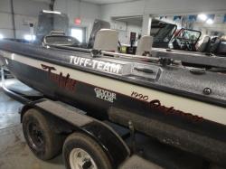 200 Horizon Bowrider Boat