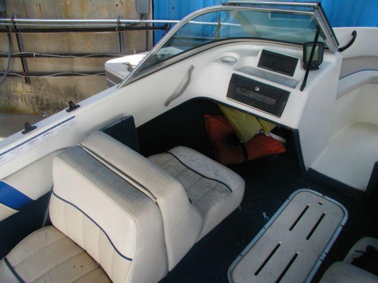 l_port_seat