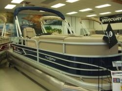 2019 Sun Tracker PARTY BARGE 20 DLX Russells Point OH