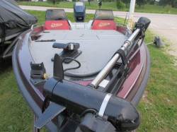 19' Bass Boat / 200 hp Evinrude Outboard  $6900