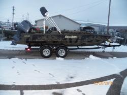 2018 1852MF Weldbilt boat