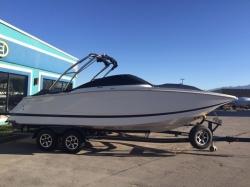 2013 - Four Winns Boats - SL262