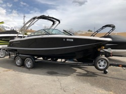 2012 - Four Winns Boats - SL222