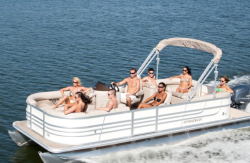 2013 - Starcraft Boats - Stardeck 216 4 PT