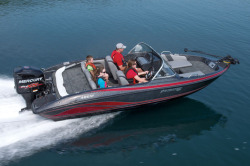 2017 - Stratos Boats - 486 SF