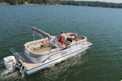 2013 - Sun Chaser Boats - 8524 Lounger