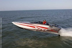 2012 - Sunsation Performance Boats - 32 XRT