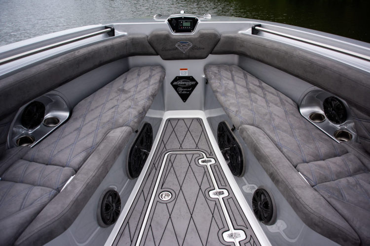 research 2017 sunsation performance boats 34 ccx on. Black Bedroom Furniture Sets. Home Design Ideas