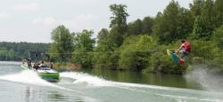 2013 - Supra Boats - Launch 22 V
