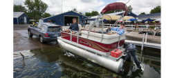 2013 - Sweetwater Boats - 1570 F