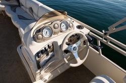 2010 - Sylvan Boats - Signature 8522 F-N-C