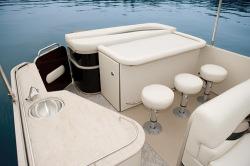 2011 - Sylvan Boats - Mandalay 8525