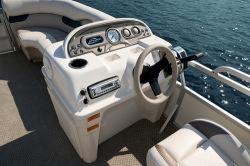2011 - Sylvan Boats - Mirage 818 F