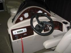 2012 - Sylvan Boats - Mirage 8520 4-PT