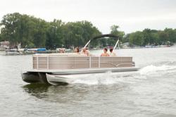 2012 - Sylvan Boats - Signature 8525 LZ