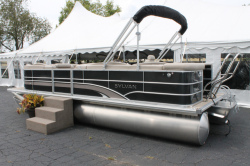 2013 - Sylvan Boats -  8522 LZ