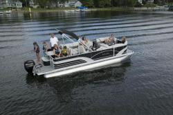 2017 Sylvan Boats Mirage 8522 Party Fish LE 40