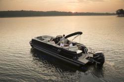 2018 - Sylvan Boats - M5 CRS