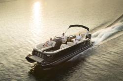 2018 - Sylvan Boats - M5 CRS DC