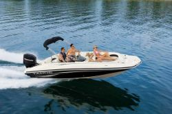 Tahoe 215 Deck Boat
