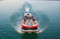 2018 - Tahoe Pontoons - Grand Tahoe Quad Lounge Windshield