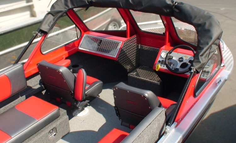 l_color-matched-red-ne-envoy-interior-2