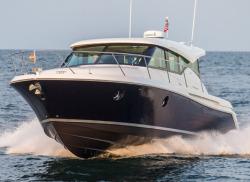 2017 - Tiara Yachts - 39 Coupe
