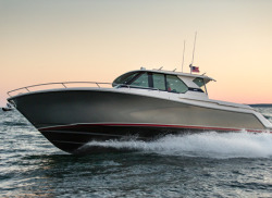 2017 - Tiara Yachts - Q44