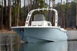 2019 - Tidewater Boats - 252 SUV