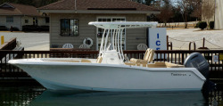 2015 - Tidewater Boats - 220 LXF