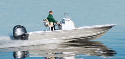 2018 - Tidewater Boats - 2110 Bay Max
