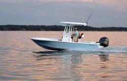 2018 - Tidewater Boats - 2200 Carolina Bay